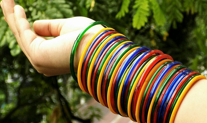 Glass bangles make them empowered