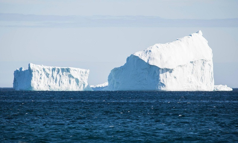 Huge iceberg towers over Canadian town