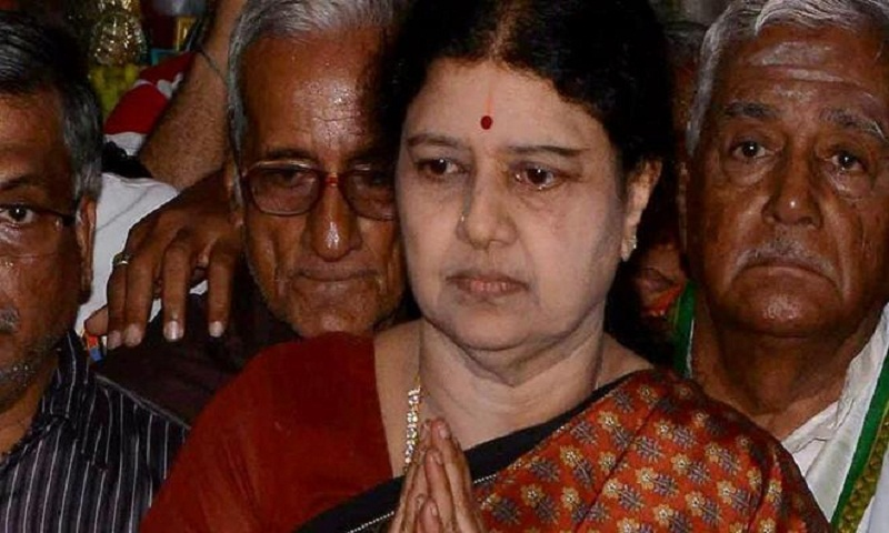 Sasikala banners removed from AIADMK office