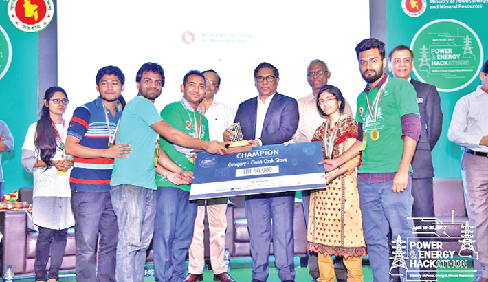 UIU team becomes champion in Energy Hackathon, 2017