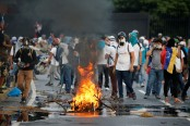 Venezuela snubs regional powers as more die in unrest