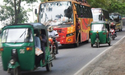 Auto-rickshaw workers plan movement for separate lanes on highways