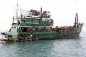 Sri Lanka rescues 30 Rohingya aboard Indian boat