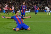 Suarez on target as Barcelona beat Espanyol 3-0
