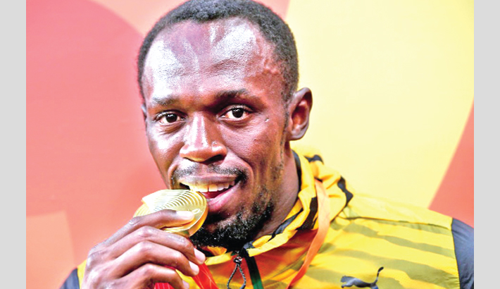 Bolt wants to be a top soccer player