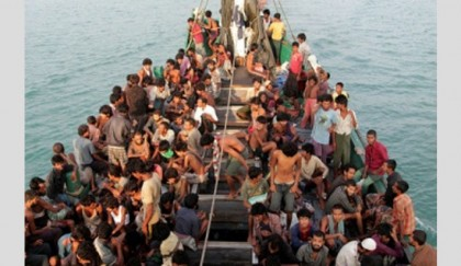 Myanmar migrants abandoned by smuggler in Thai south