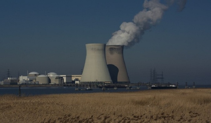 India to build 10 domestic nuclear power reactors