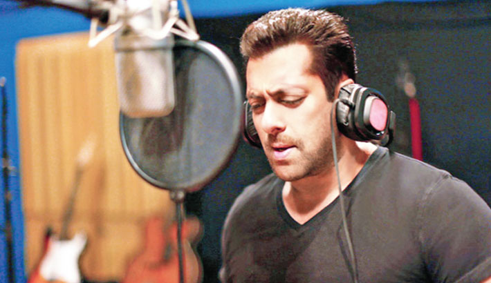 Salman Khan records his first Marathi song in 45 minutes!
