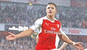 Sanchez keeps Arsenal in race