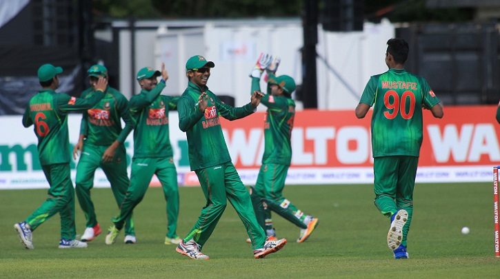 Tigers continue to keep pressure on Ireland, Mustafizur claims four