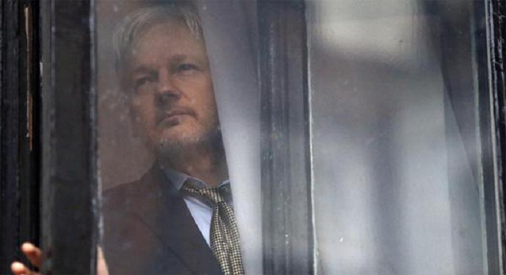 Sweden to decide on lifting Assange warrant