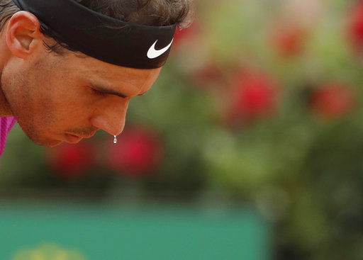 Nadal's winning streak on clay ends, Venus loses in Rome