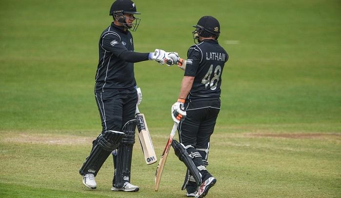 Latham, Munro propel New Zealand to 344