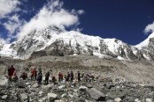 Nepal officials doubtful about 4 bodies reported on Everest