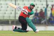 Kayes hits fifty, Bangladesh cross 150