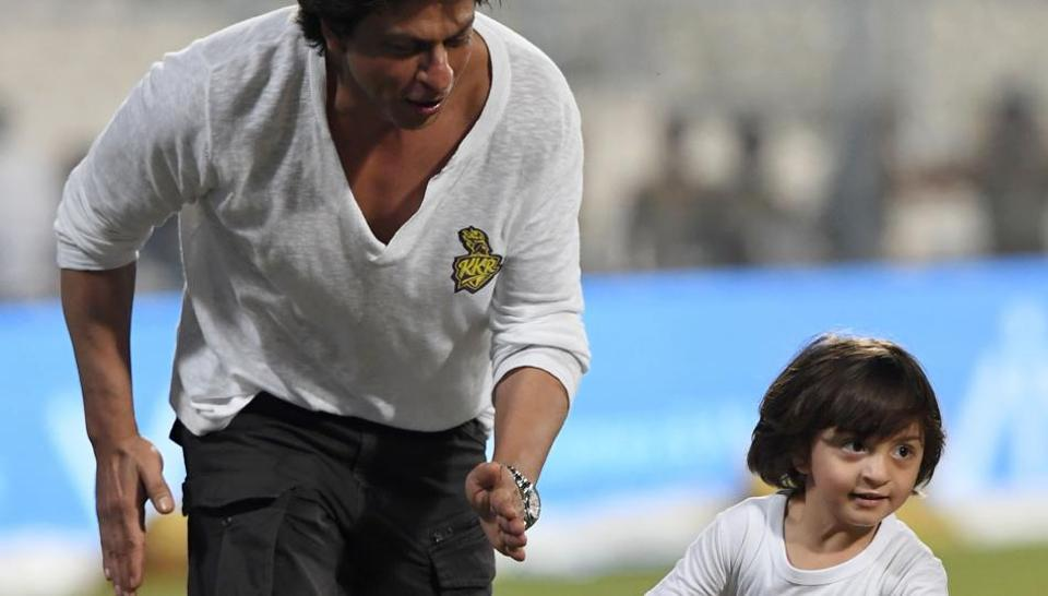 Shah Rukh Khan thanks fans for showering love on AbRam's birthday