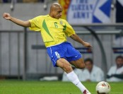 Brazil great Roberto Carlos eyes Australia