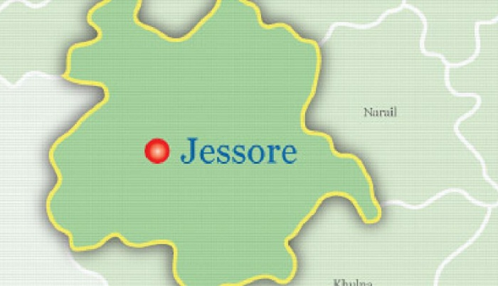 Woman crushed under train in Jessore