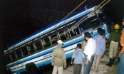 9 killed as bus overturns in western India