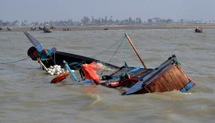 Noakhali boat capsize: 5 fishermen rescued, 1 missing