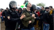 Hundreds detained at Russian opposition rallies