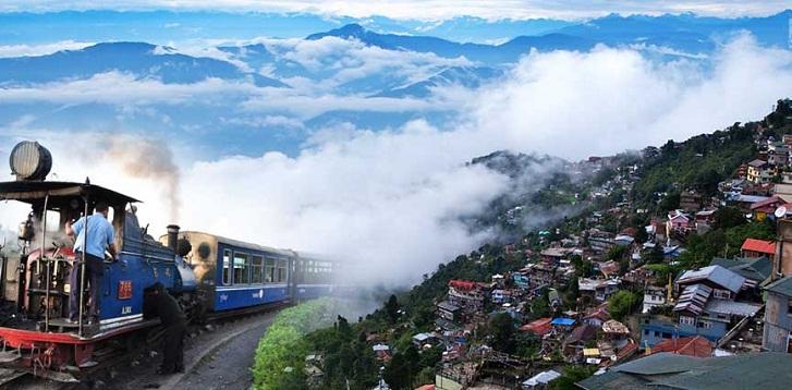 Tourists flee as Darjeeling troubles boil over