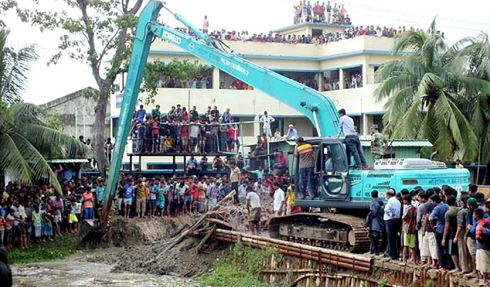 Chittagong's Maheshkhal dam being removed