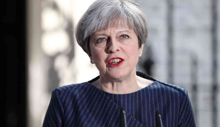 UK PM orders full public inquiry over London fire