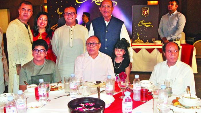 Sheikh Jamal Dhanmondi Club hosts iftar party