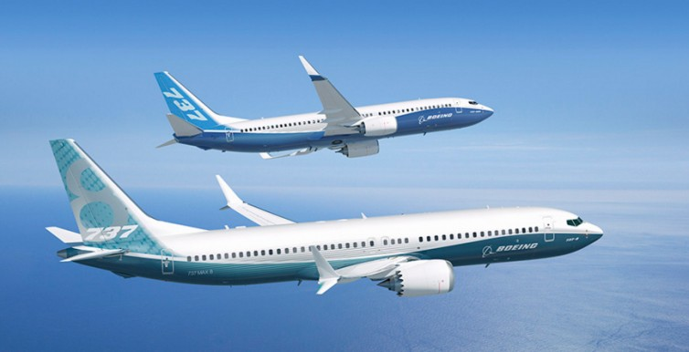 Two gleaming Boeing aircraft dancing together in the sky (Video)