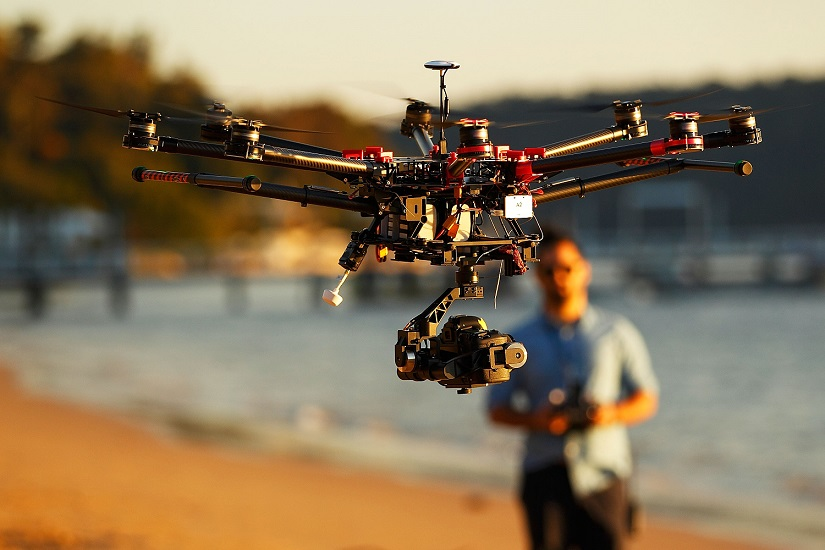 EU unveils plans to regulate drones by 2019