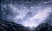 Lightning more powerful over ocean than land