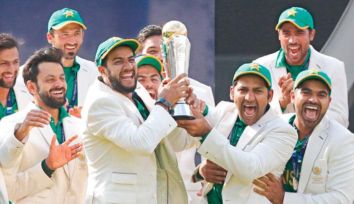 Pakistan clinch maiden title
