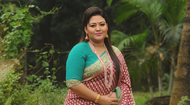 Folk queen Momtaz brings two new songs this Eid