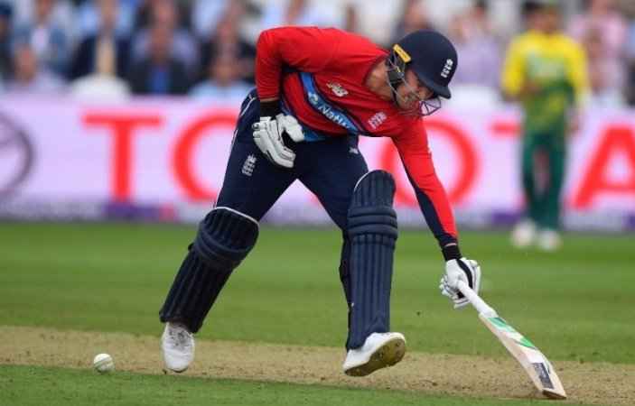 Jason Roy becomes 1st player to be given out obstructing the field in T20Is (video)