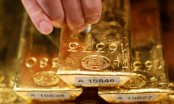 Gold futures rise on weaker U.S dollar