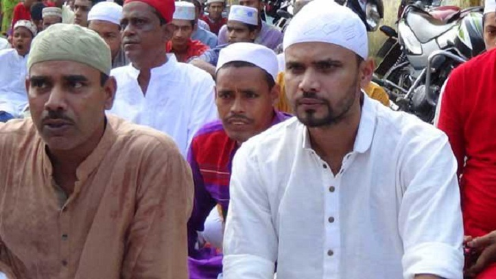 Mashrafe celebrates Eid with family, fans