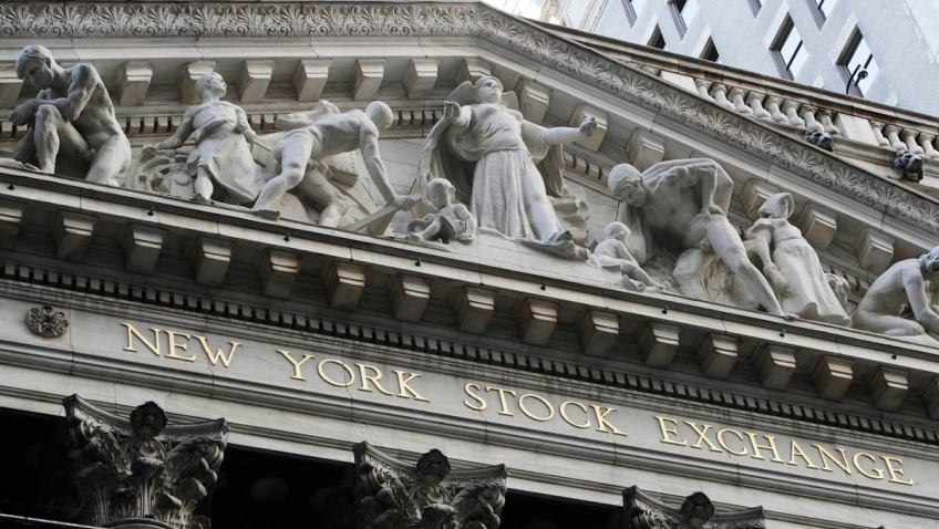 US stock market makes biggest gain in 2 months