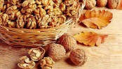 Eating walnuts, salmon may help fight bowel cancer