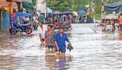 Deadly floods hit central, southern China