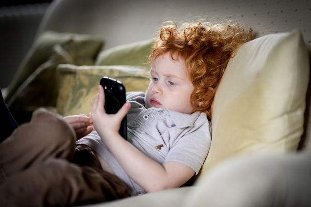 Digital devices blamed for dry eye problem among children