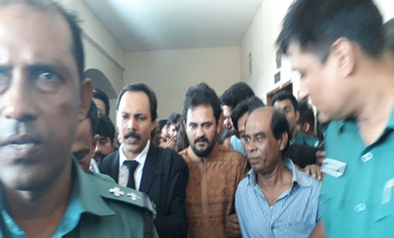 Imran, Sonaton get bail in defamation case