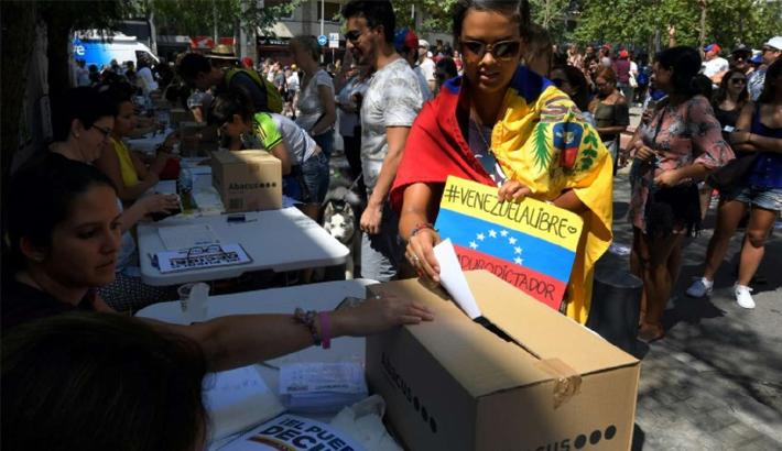 Venezuela oppn ups pressure on Maduro with vote