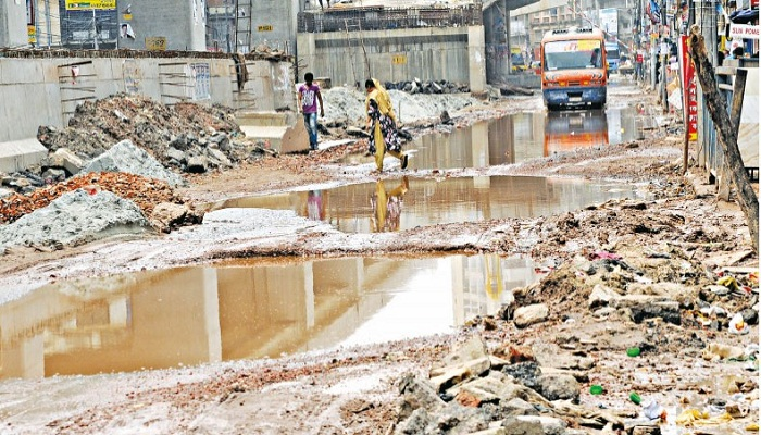 Mismanagement in Mouchak-Malibagh flyover construction work blamed