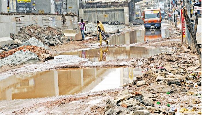 Mismanagement in Mouchak-Malibagh flyover construction work blamed