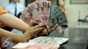 Dollar changes hands in upper 112 yen zone in early trade in Tokyo