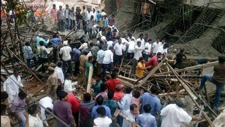 Three die, 4 injured as building collapses in Pakistan