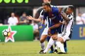 Neymar dazzles as Barcelona down Juventus