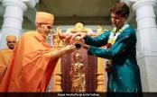 Justin Trudeau wears kurta, performs puja at Mandir in Canada