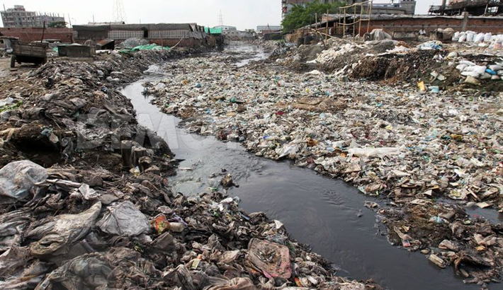 water pollution is it as big What is water pollution water pollution is the contamination of water bodies (eg lakes, rivers, oceans, aquifers and groundwater), very often by human activities water pollution occur when pollutants (particles, chemicals or substances that make water contaminated) are discharged directly or indirectly into water bodies without enough treatment to get rid of harmful compounds.